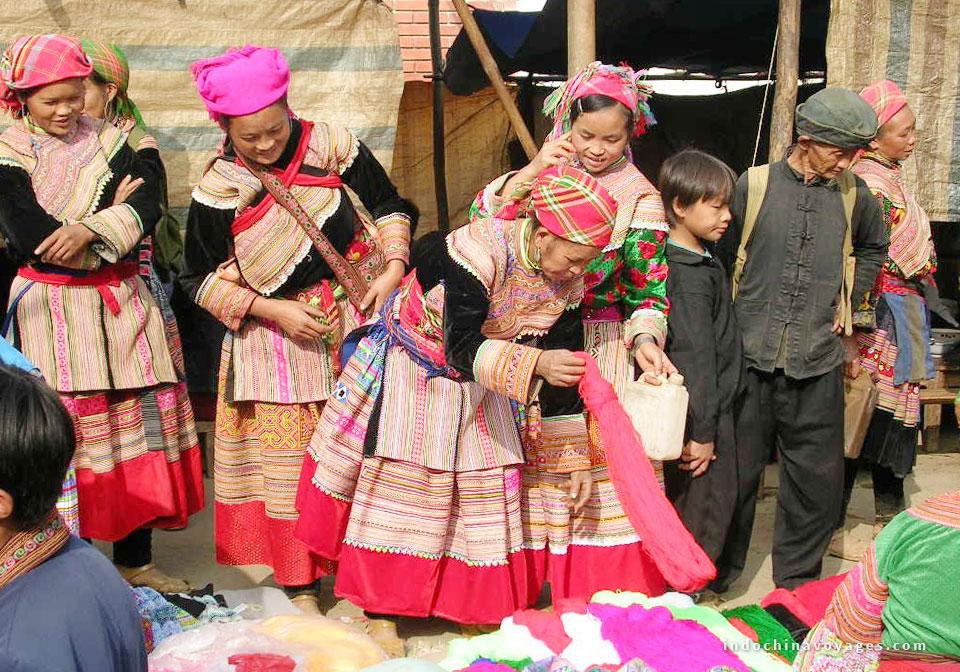 Dzay-people-sapa-vietnam