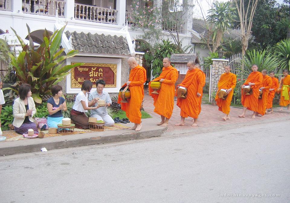 Flash-pic-monks