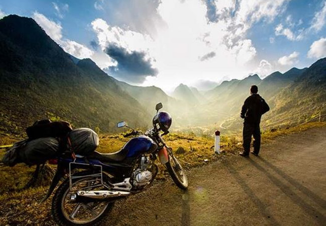 Motorbike is a great choice for one day trip to Ninh Binh from Hanoi