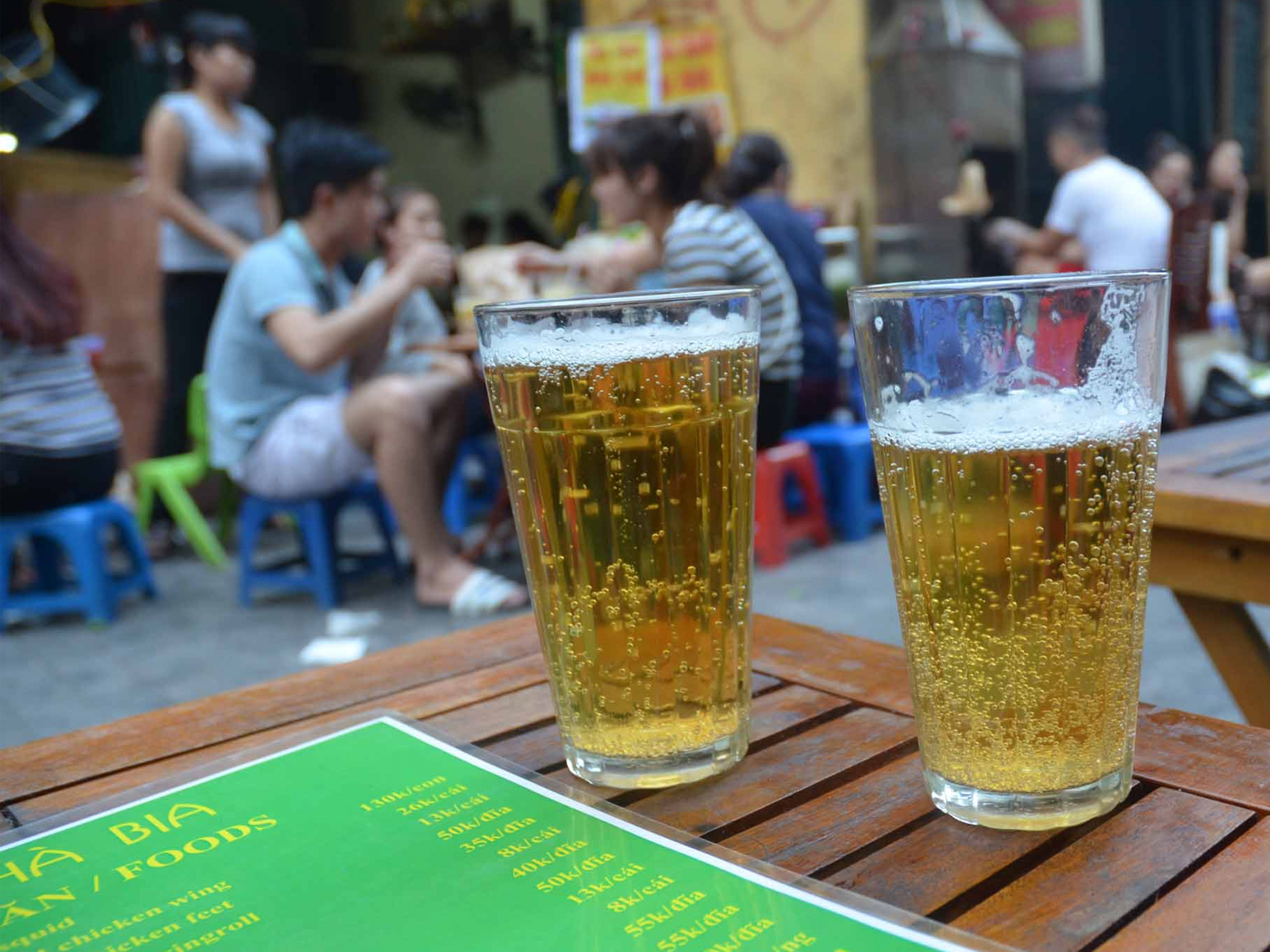 Bia hoi – the famous Vietnamese beer you should try