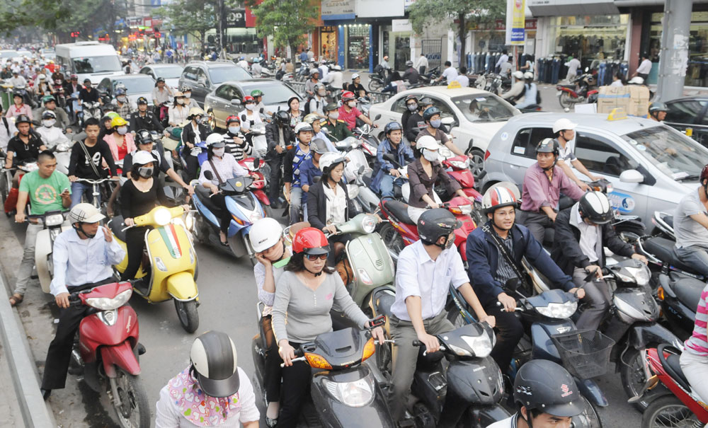 Getting familiar with Vietnam traffic