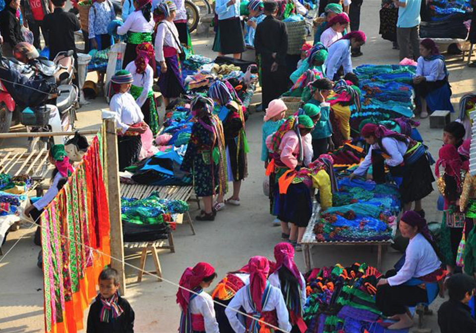 The traditional market in Sapa