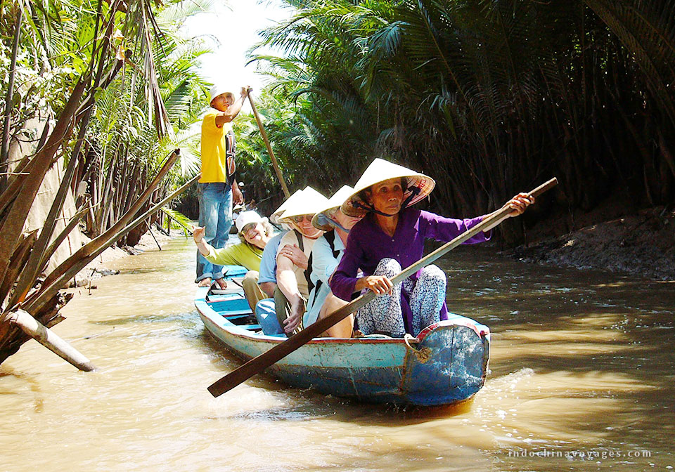 A boat trip in Con Phung area