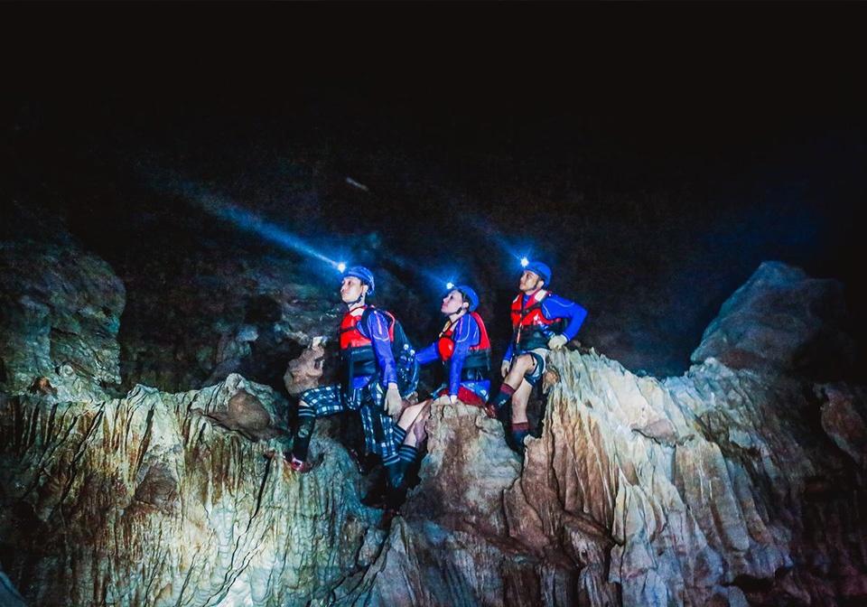 Dark cave adventure