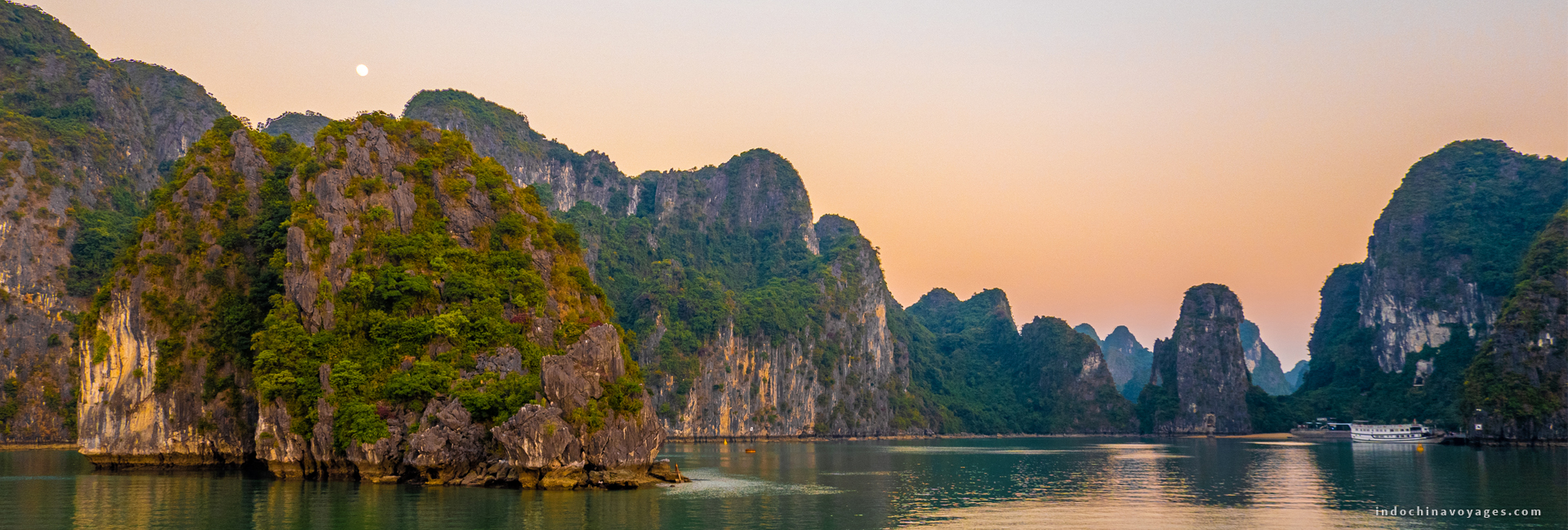 Halong Bay – the beauty that you cannot describe in words