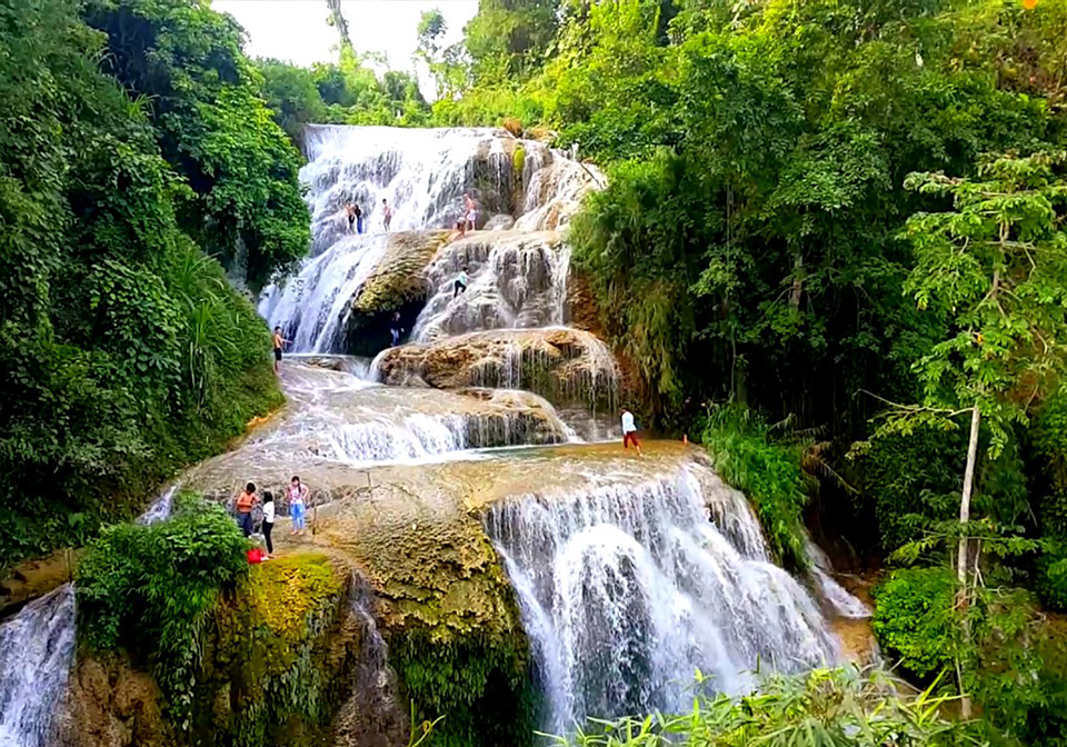 Go Lao waterfall